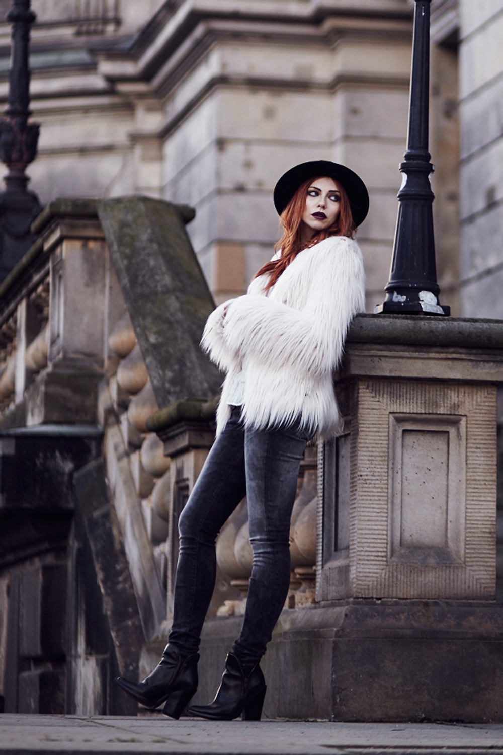 fake-fur-pepe-jeans-coat-white-masha-sedgwick-berlin-10