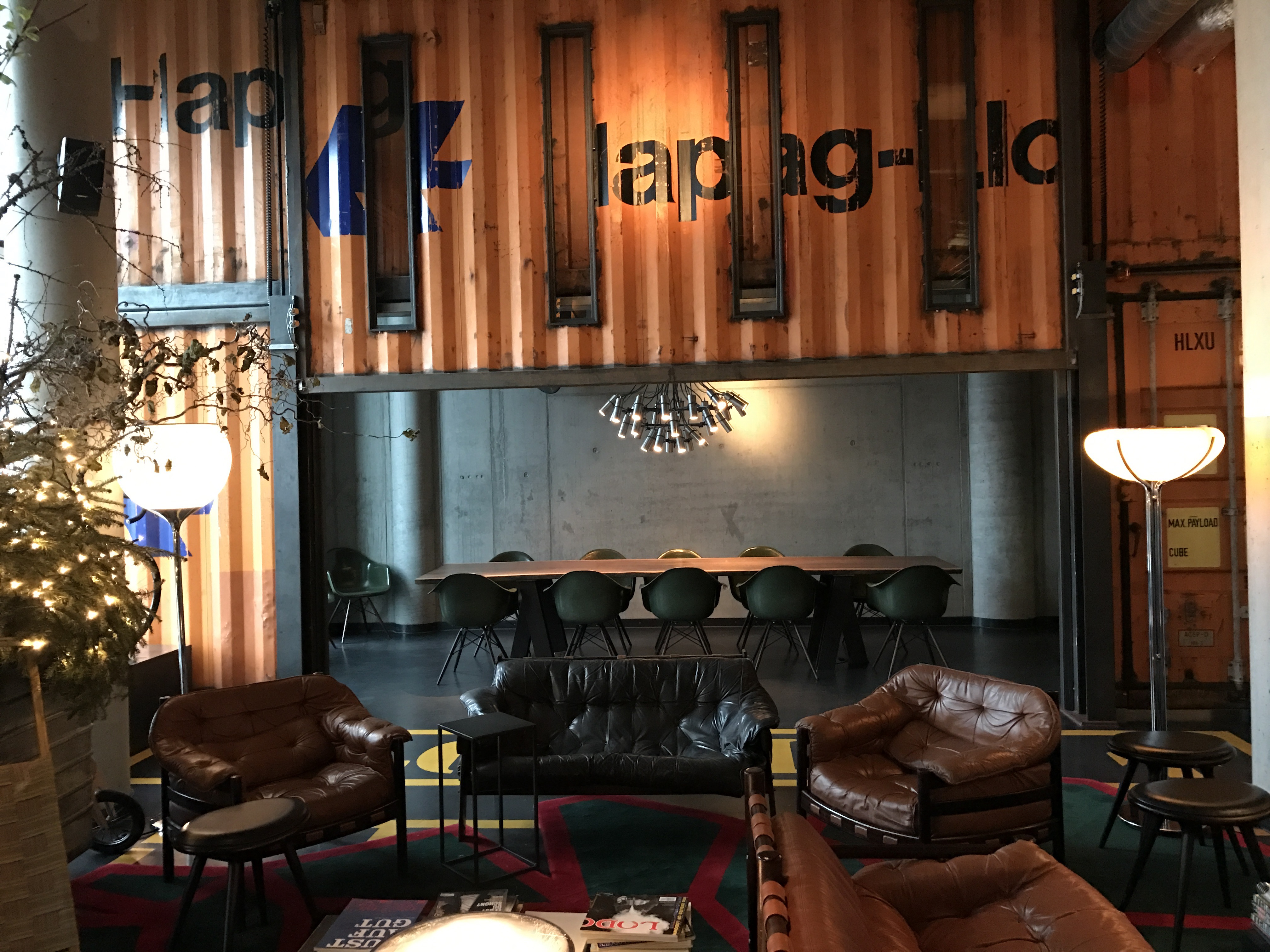 25hours hotel hamburg hafencity eingang container interior style blogger
